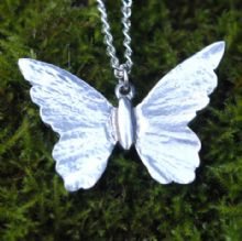 Butterfly pendant necklace P44